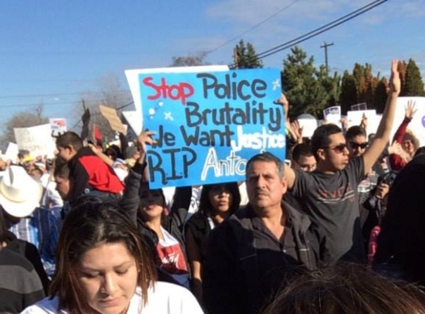 Demonstrators protest Pasco police killing of Mexican farmworker.