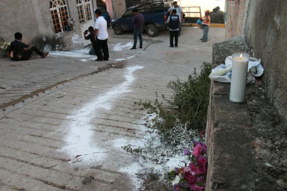 The street where the murders occurred. Photo from El País (Spain)