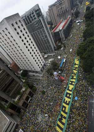 Last Sunday, millions of people demonstrated against the government of Dilma Rousseff. Photo: Afp.