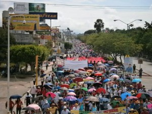 Chiapas teachers march in Tuxtla
