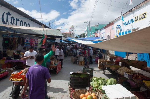 A market scene in Nochixtlán, the capital of a large indigenous district. The police attack took place on a market day, thereby maximizing the number of civilians present.