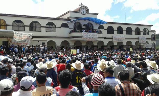 Indigenous Tseltal residents of Oxchuc Municipio in Chiapas demonstrates against reinstating María Gloria as mayor.