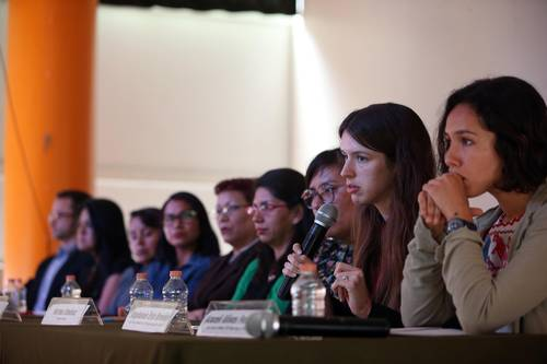 Patricia Torres, Ana María Velasco, Claudia Hernández, Yolanda Núñez, Italia Méndez, Norma Jiménez, Stephanie Brewer and Araceli Olivos during the press conference held at the Centro Pro. Photo: Jesús Villaseca
