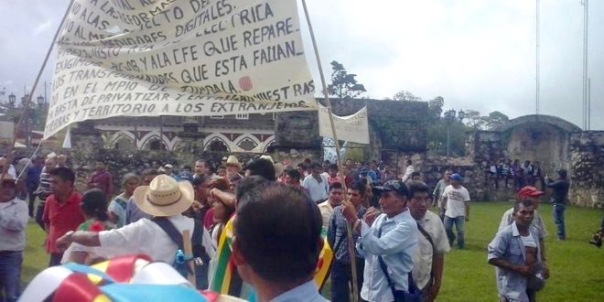 Indigenous initiate a march against mega-projects in Chiapas.