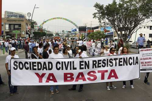 Chiapas civil society protest against the hike in gas prices.